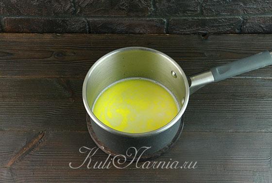 Разогреваем молоко с маслом