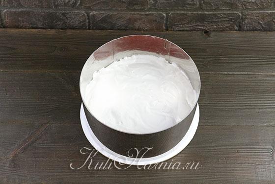 Наносим слой крема