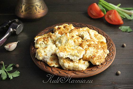 Рубленные куриные котлеты с сыром готовы