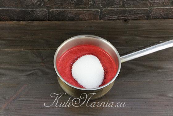 Смешиваем пюре с сахаром