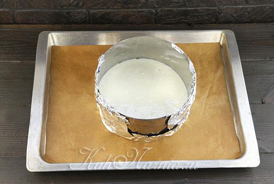 Выкладываем светлое тесто